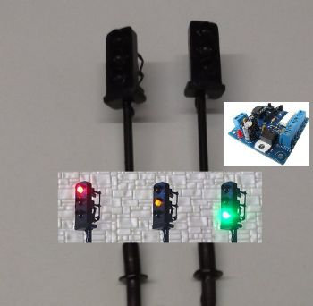 Pair of N Scale Traffic Lights with Block Signalling Controller